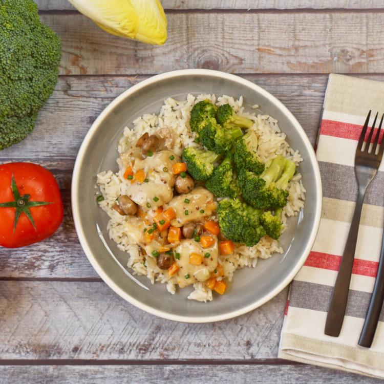 Poulet dijonnaise, légumes verts