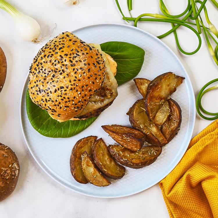 Burgers de portobellos et Halloumi, rattes et mayo au sirop d'érable
